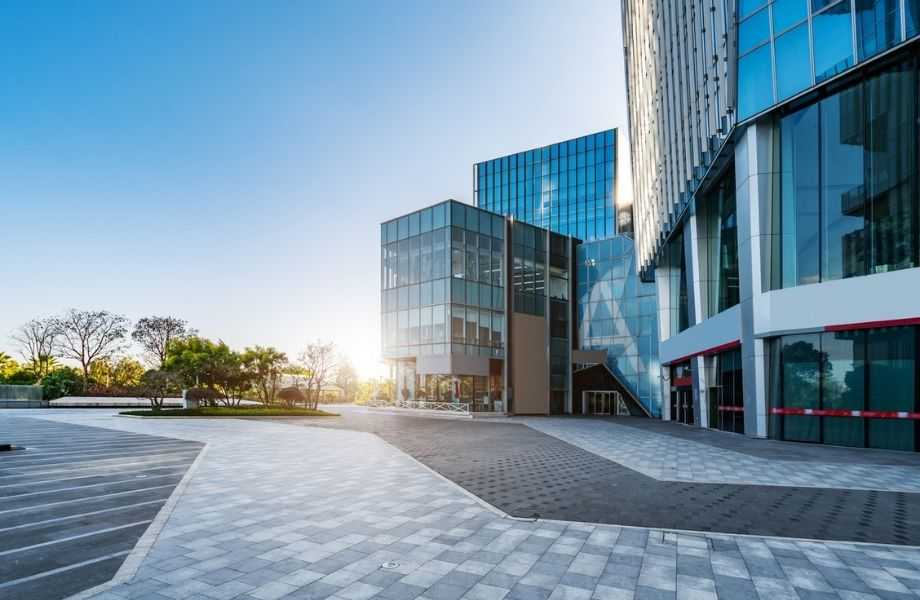 More established commercial landlords will have the right amenities and assets in place to offer flexible lease terms to larger companies, which will see them grow in popularity, says Re-Leased.