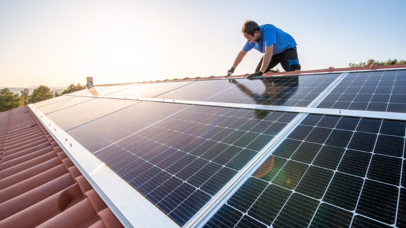 ▲ NCC 2022 changes include provisions to make retrofitting properties with solar panels and electric car charging points easier.