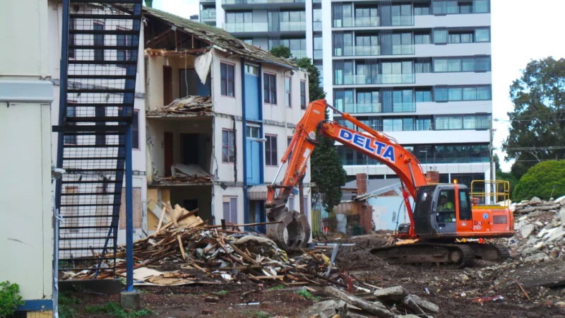 ▲ The Gronn Place housing estate in Brunswick West under demolition last year.