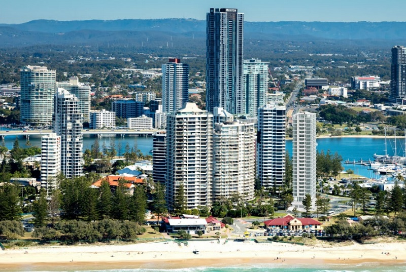 ▲ The Monaco is located on the northern end of Main Beach near Southport Yacht Club.