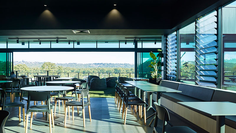 ▲ At home you can work in an outdoor environment. There is no reason why this can't also be provided in a commercial office. Youi HQ roof deck.