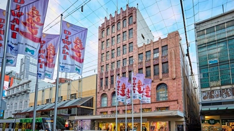 ▲ Newmark Capital purchased 299 Bourke Street Mall for $121 million and plan to refurbish the lower three levels for retail and the upper levels for offices.