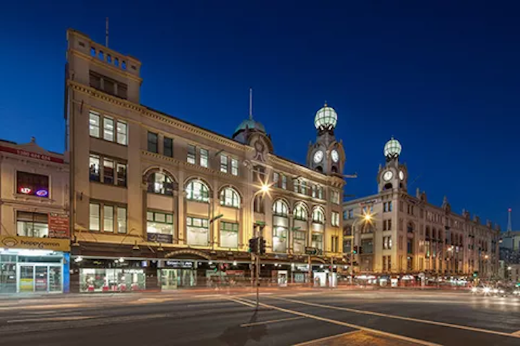 ▲ Broadway Shopping Centre, Walker Corporation